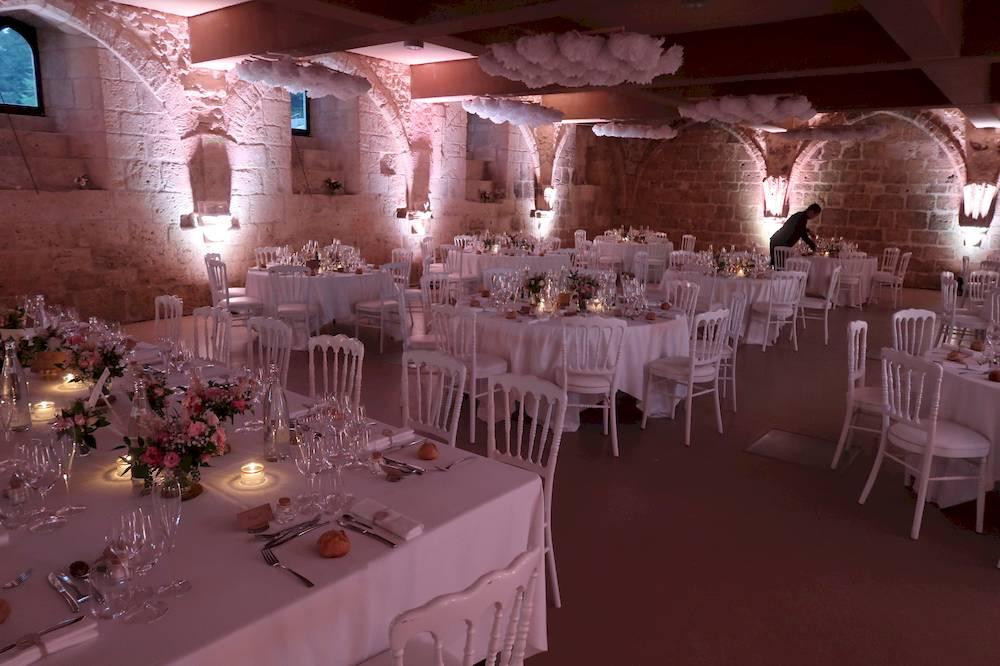 Mariage Abbaye de Fontdouce eclairage de salle